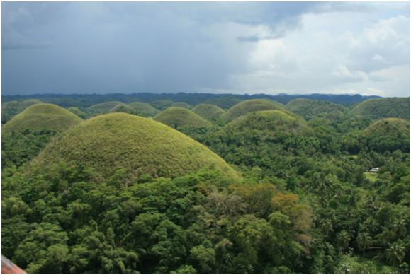 Chocolate hills, Bohol (Creative commons)